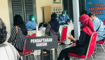 Vaksinasi Karyawan Taman Pintar Yogyakarta